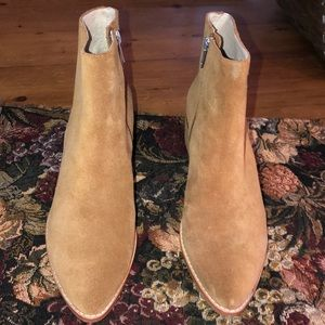SOL SANA LOW BEIGE SUEDE ANKLE BOOTS SIZE 9